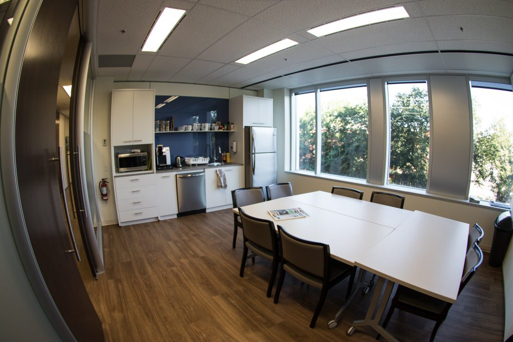 <h3>Advanced Primary Care</h3> <p>Located in the brand-new Meredith Block building in the beautiful community of Bridgeland, this project was a new, state-of-the-art private health care clinic. Featuring DIRTT integrated wall systems with privacy sound masking and soundproofing, this team-based Medical Home model exists to ensure privacy and health is protected. This project was completed before schedule, and we handed over the keys in just under three months.</p>